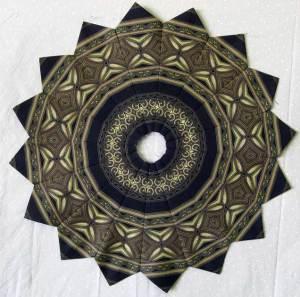 Laurens' Fancy Wheel using Jinny Beyer Border Fabric